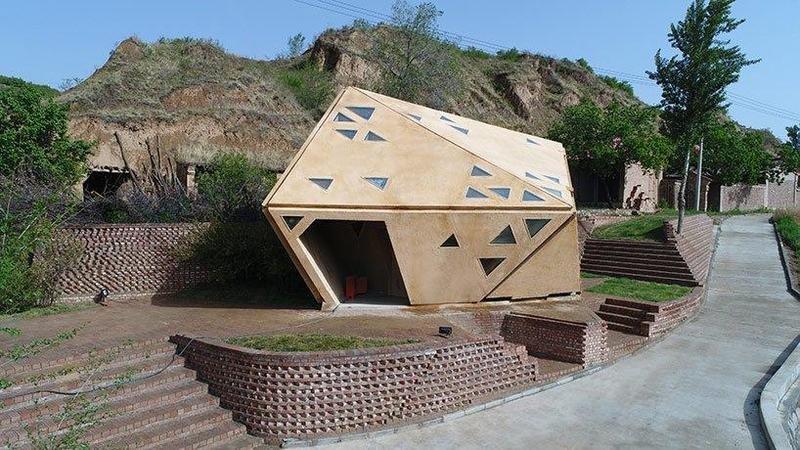 منزل في الصين يغلق ويفتح كل جدرانه مع تقلبات الطقس