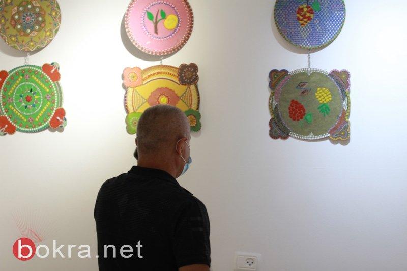 الفنان نايف شحادة يبهر الجمهور في معرضه الأول فنون الرمل بجاليري زركشي سخنين-0