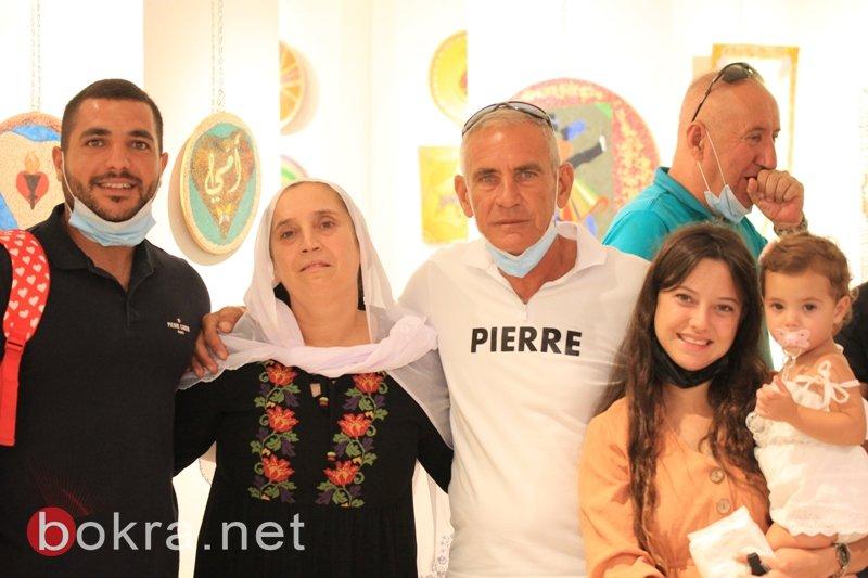 الفنان نايف شحادة يبهر الجمهور في معرضه الأول فنون الرمل بجاليري زركشي سخنين-7