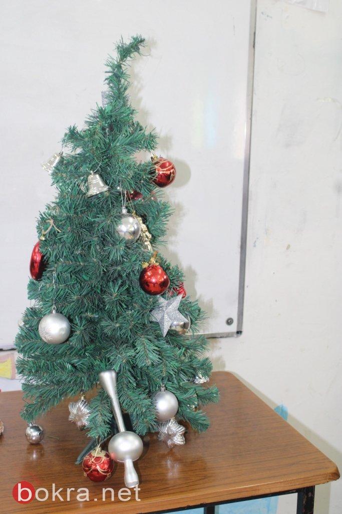 المدرسة الإعدادية الحديقة (أ) يافة الناصرة تزدان بزينة وشجرة الميلاد