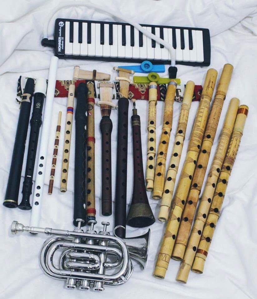 الياس غرزوزي يبرع في العزف على اكثر من 14 آلة