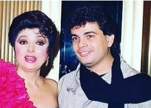 نبيلة عبيد تكشف صورة من بدايات عمرو دياب في حفل خاص