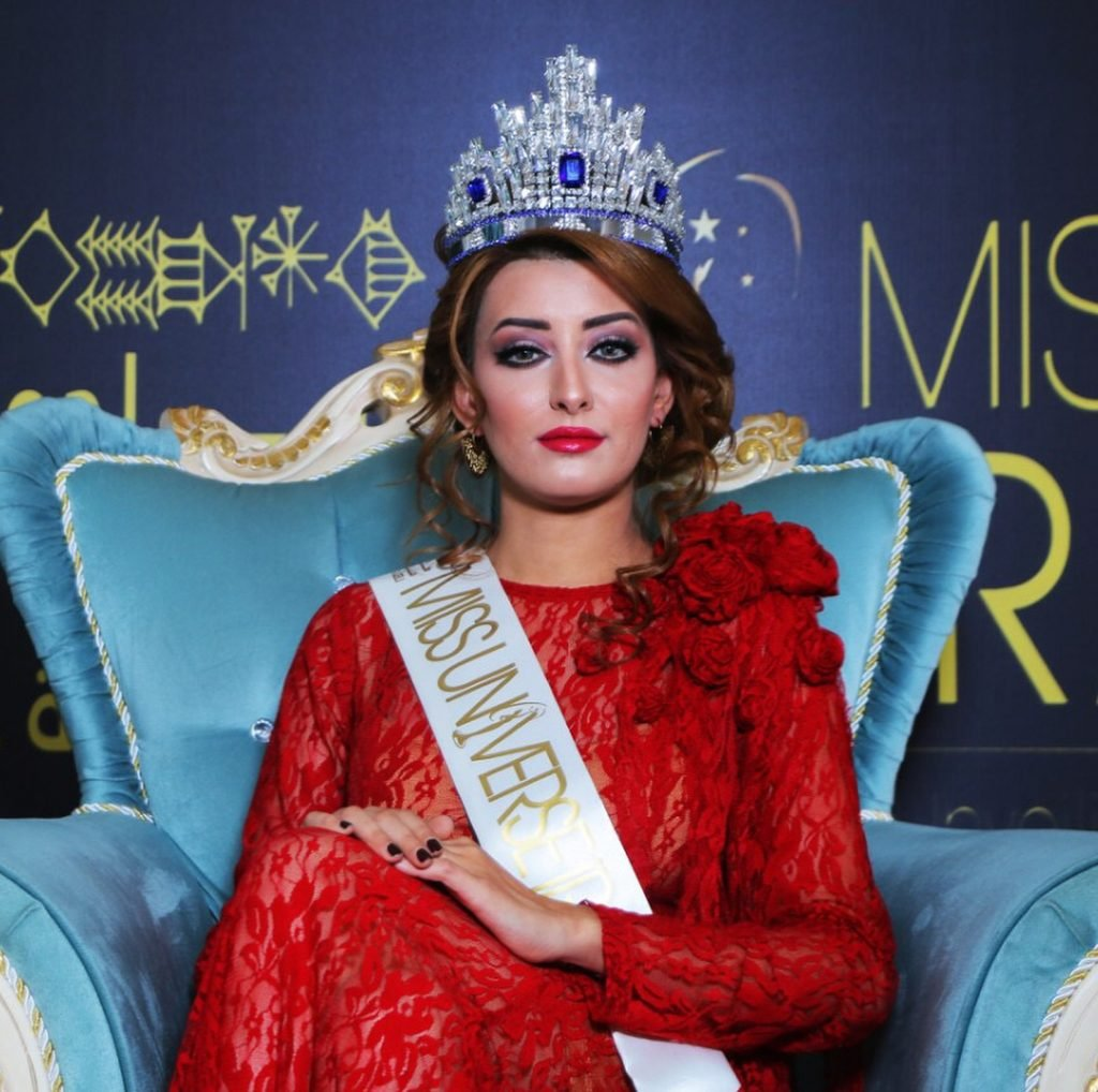 بيكيني ملكة جمال العراق يثير الجدل في لاس فيغاس