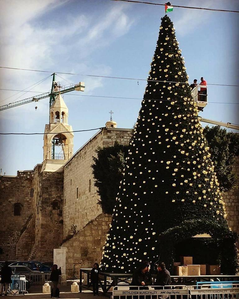 بيت لحم تبدأ الاحتفال بعيد الميلاد حسب التقويم الغربي