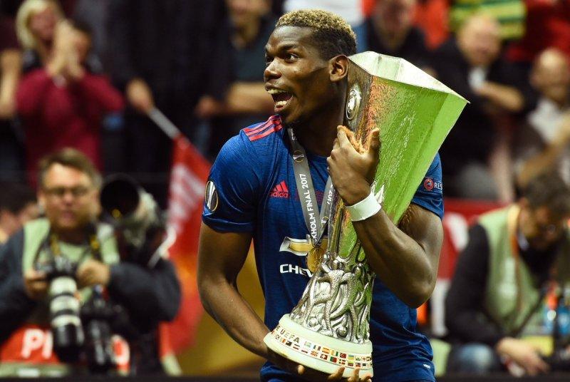 مانشستر يونايتد يتوج بلقب الدوري الأوروبي ويبلغ دوري الأبطال