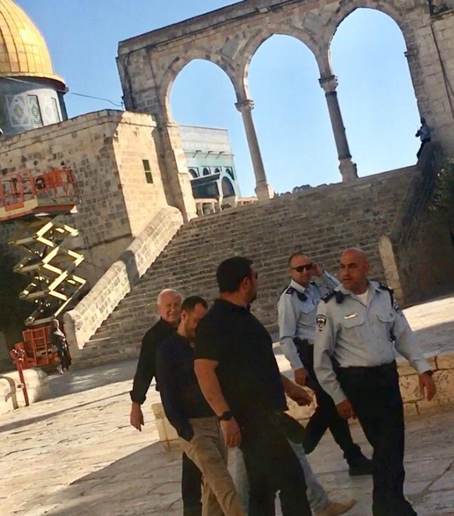 ديختر يقتحم الأقصى .. ومنع مجدلاني من دخول القدس