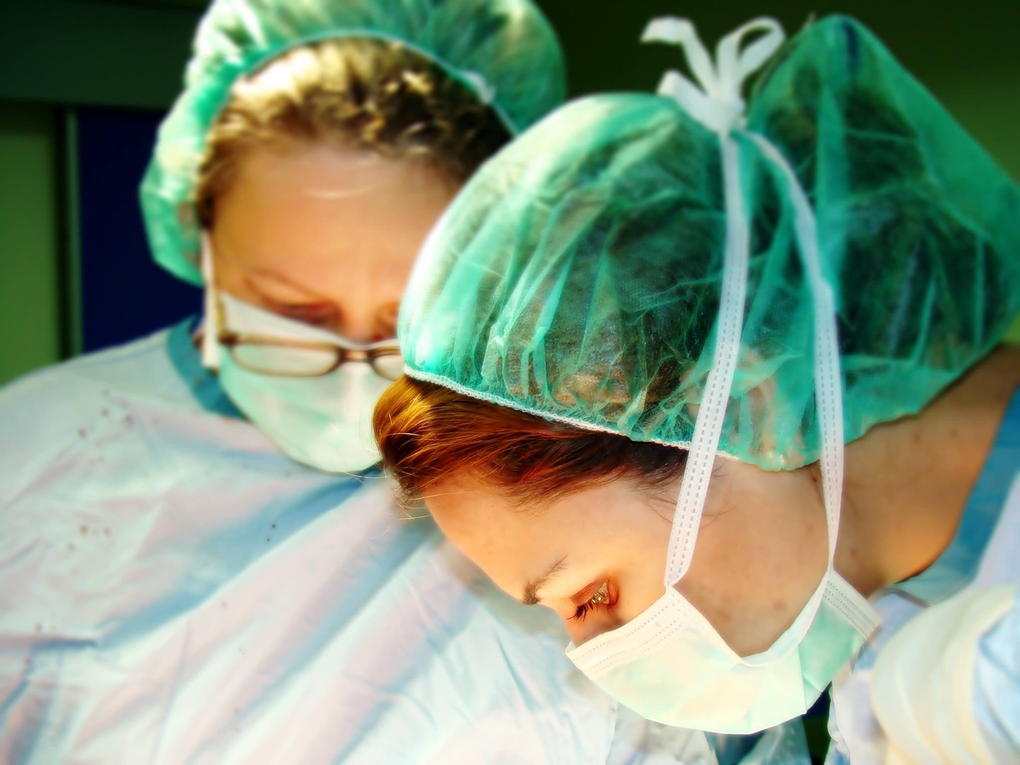 اول طبيبة جراحية تجميلية عربية في البلاد تتحدث لبكرا