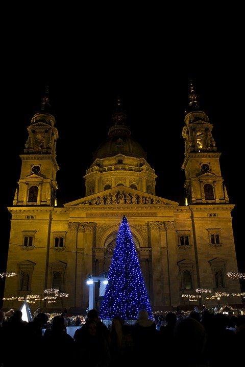 تعرفوا على مواقع أسواق أعياد الميلاد في بودابست