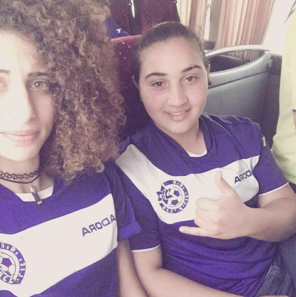 اية حبشي: اريد ان اصبح حكم في مجال كرة القدم