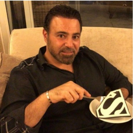 عاصي الحلّاني يحتفل بيوم ميلاده مع افراد عائلته