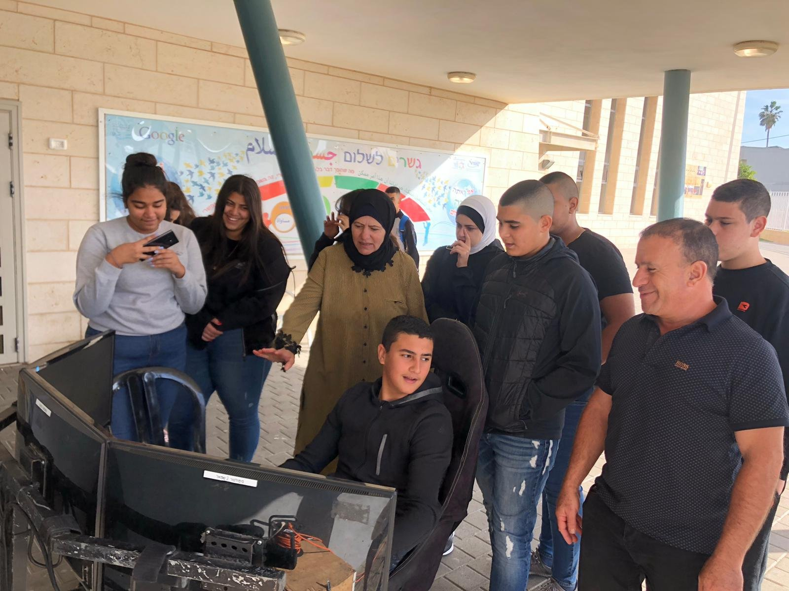 يوم متميز لطلاب العاشر بمدرسة أورط على أسم حلمي الشافعي بعكا،لمشروع الحذر على الطرق