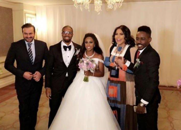 أحلام ترقص مع داليا مبارك في حفل زفافها