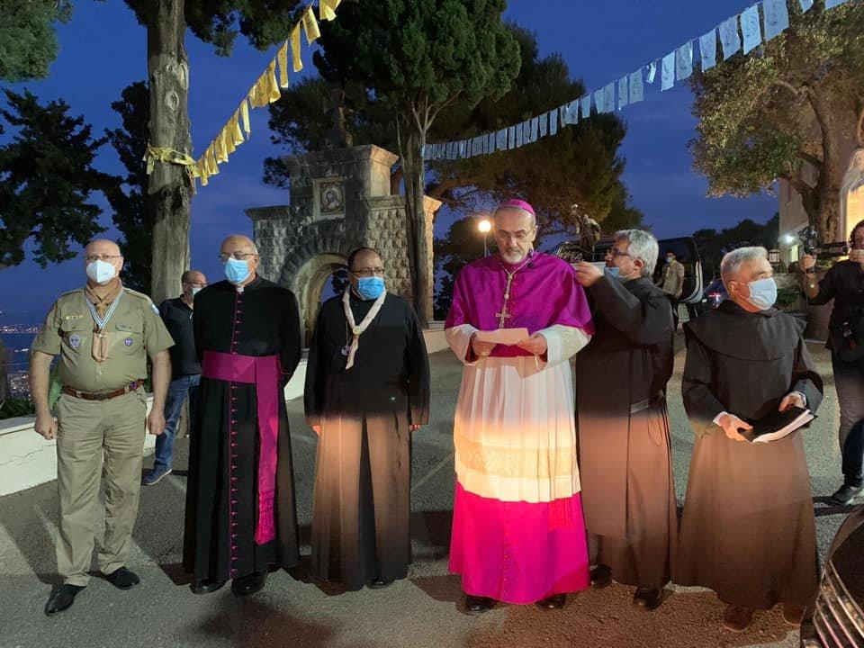 تمثال مريم العذراء يطوف بحيفا بدلا من مسيرة طلعة العذراء التقليدية