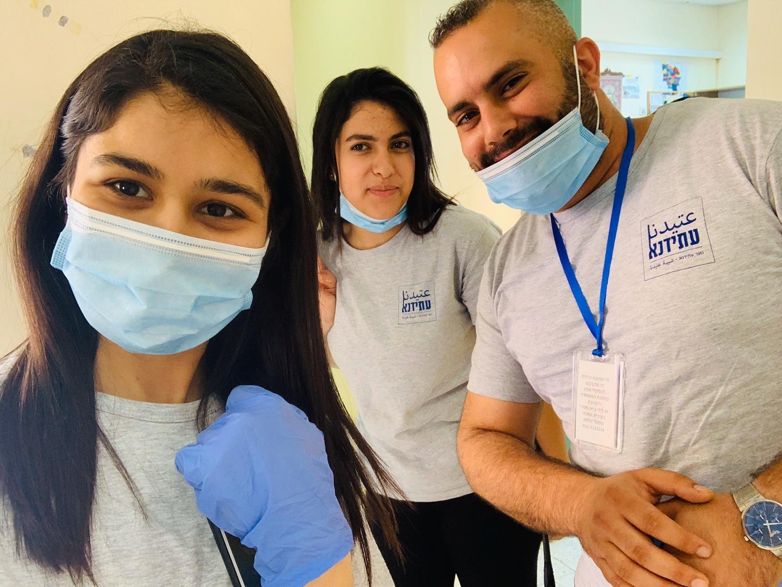 متطوعو جمعية عتيدنا يكافحون فيروس الكورونا -1
