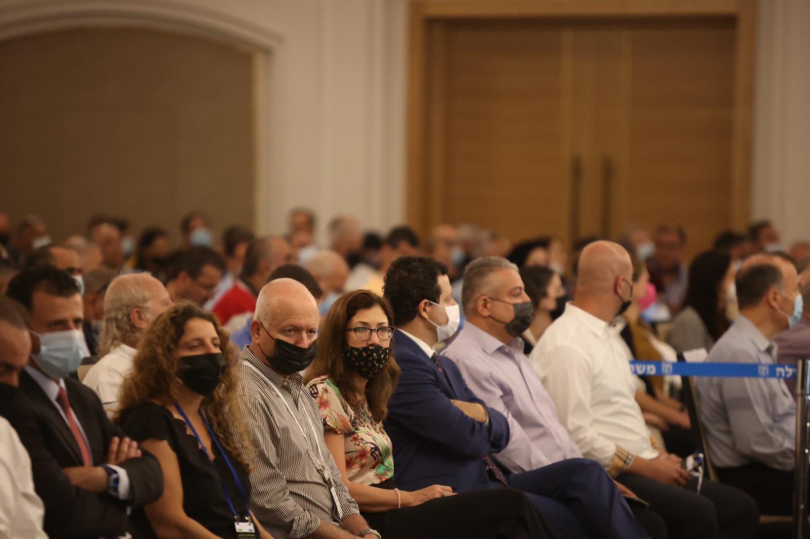 مشاركة كبيرة ومحاضرات هامة في المؤتمر الاقتصادي للمجتمع العربي بالناصرة-2