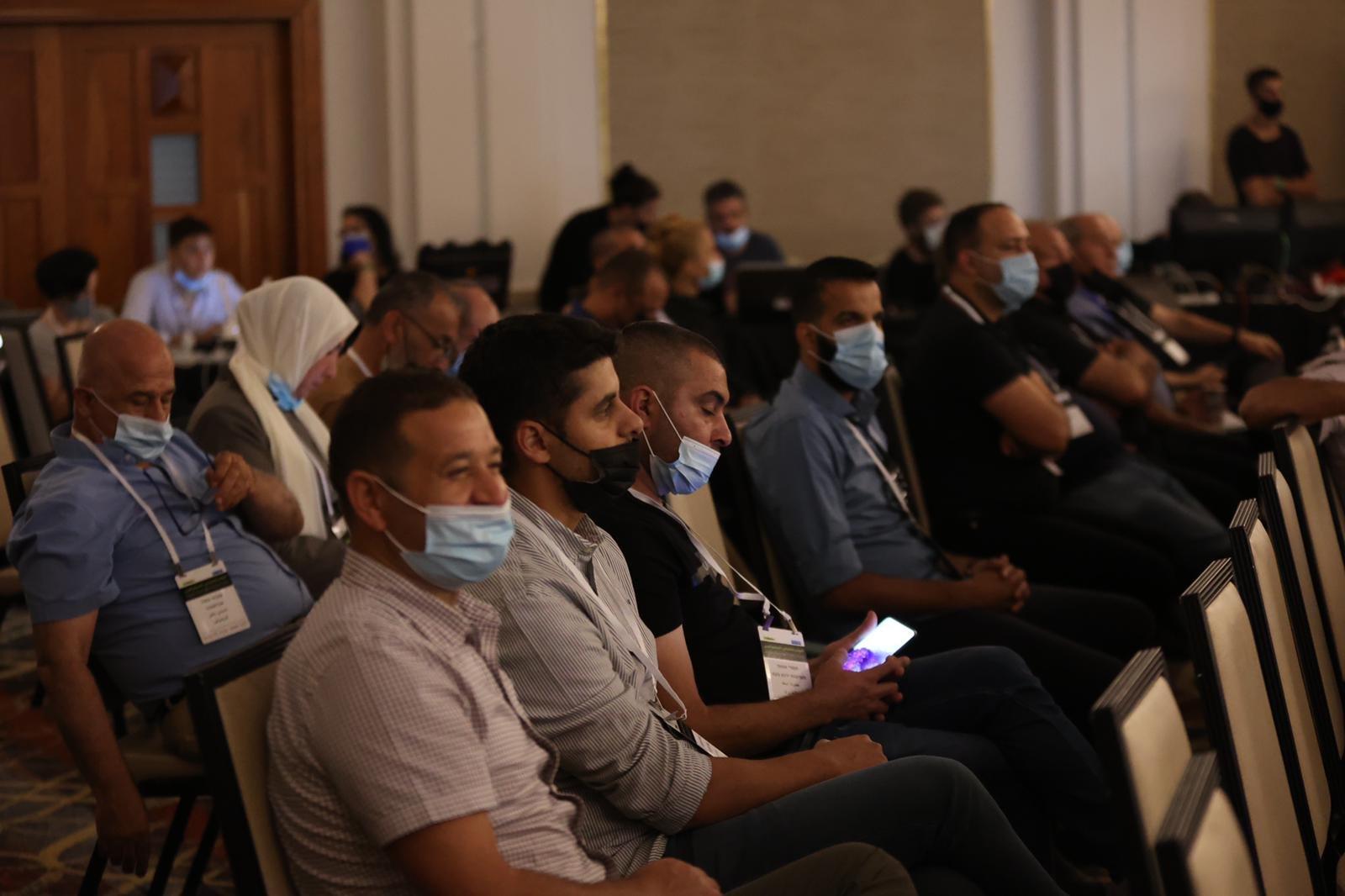 مشاركة كبيرة ومحاضرات هامة في المؤتمر الاقتصادي للمجتمع العربي بالناصرة-7