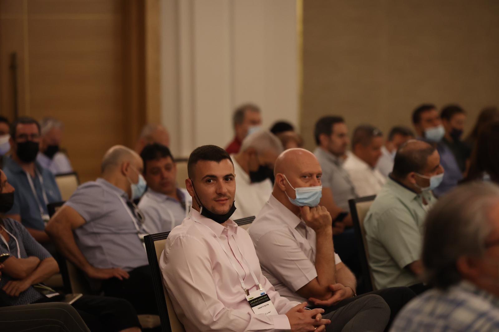مشاركة كبيرة ومحاضرات هامة في المؤتمر الاقتصادي للمجتمع العربي بالناصرة-14