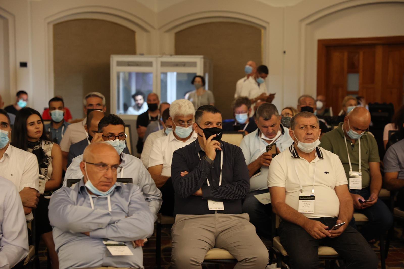 مشاركة كبيرة ومحاضرات هامة في المؤتمر الاقتصادي للمجتمع العربي بالناصرة-16
