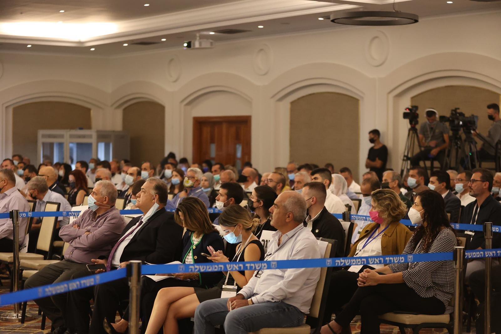 مشاركة كبيرة ومحاضرات هامة في المؤتمر الاقتصادي للمجتمع العربي بالناصرة-19