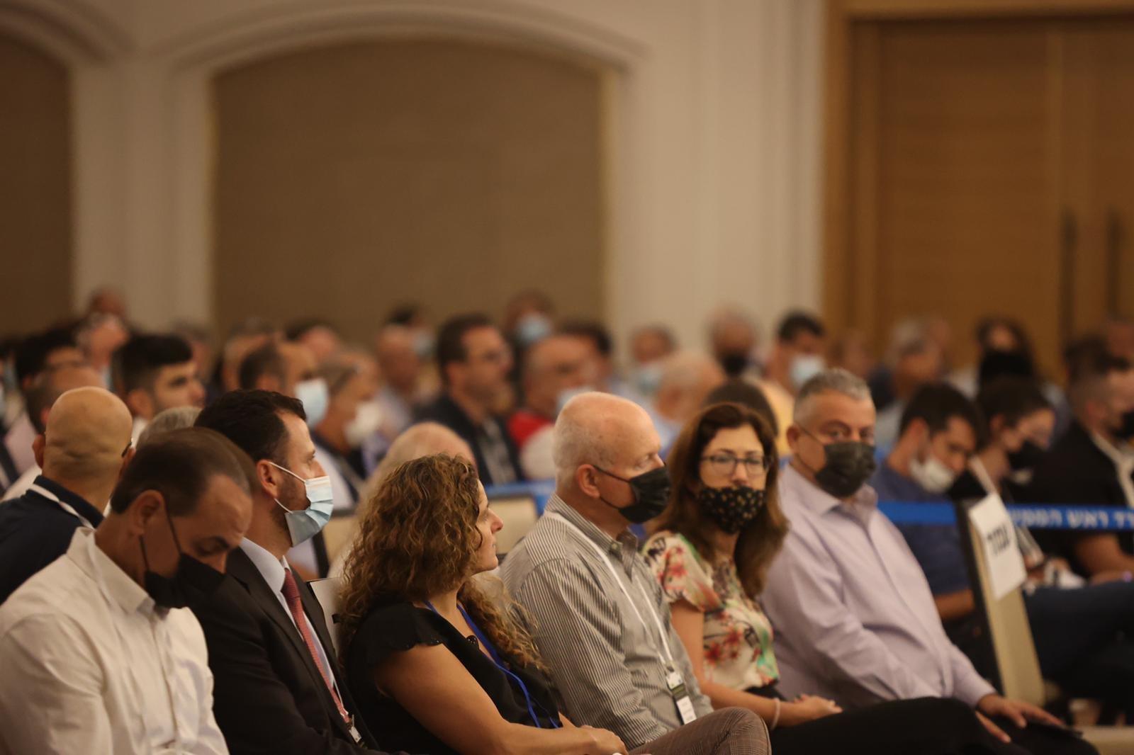 مشاركة كبيرة ومحاضرات هامة في المؤتمر الاقتصادي للمجتمع العربي بالناصرة-20