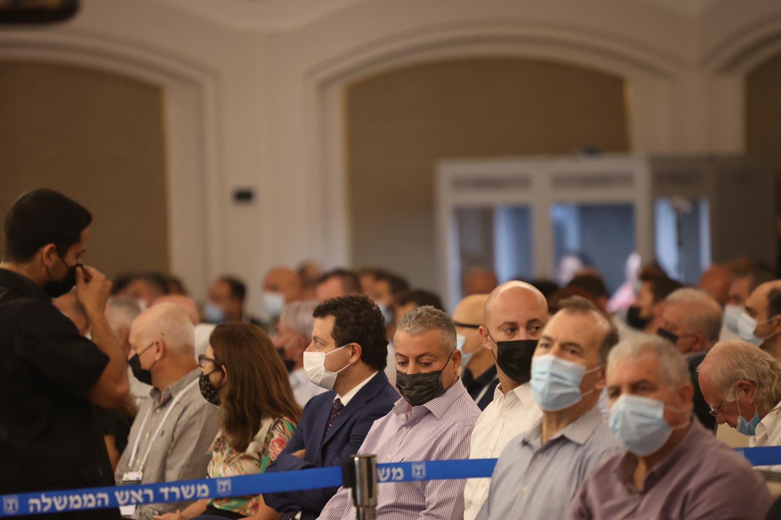 مشاركة كبيرة ومحاضرات هامة في المؤتمر الاقتصادي للمجتمع العربي بالناصرة-22