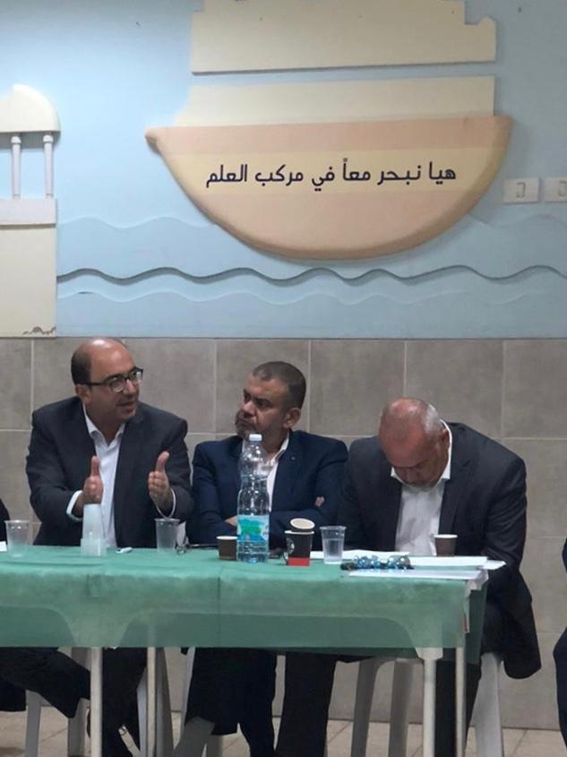 أبو شحادة: تحسين وضع التعليم في المدن المختلطة أولوية