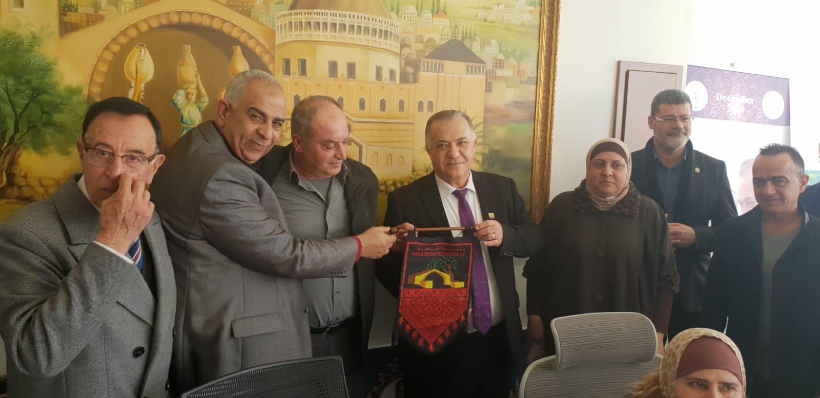 رئيس بلدية جنين فايز السعدي وأعضاء بلدية يزورون بلدية الناصرة-10
