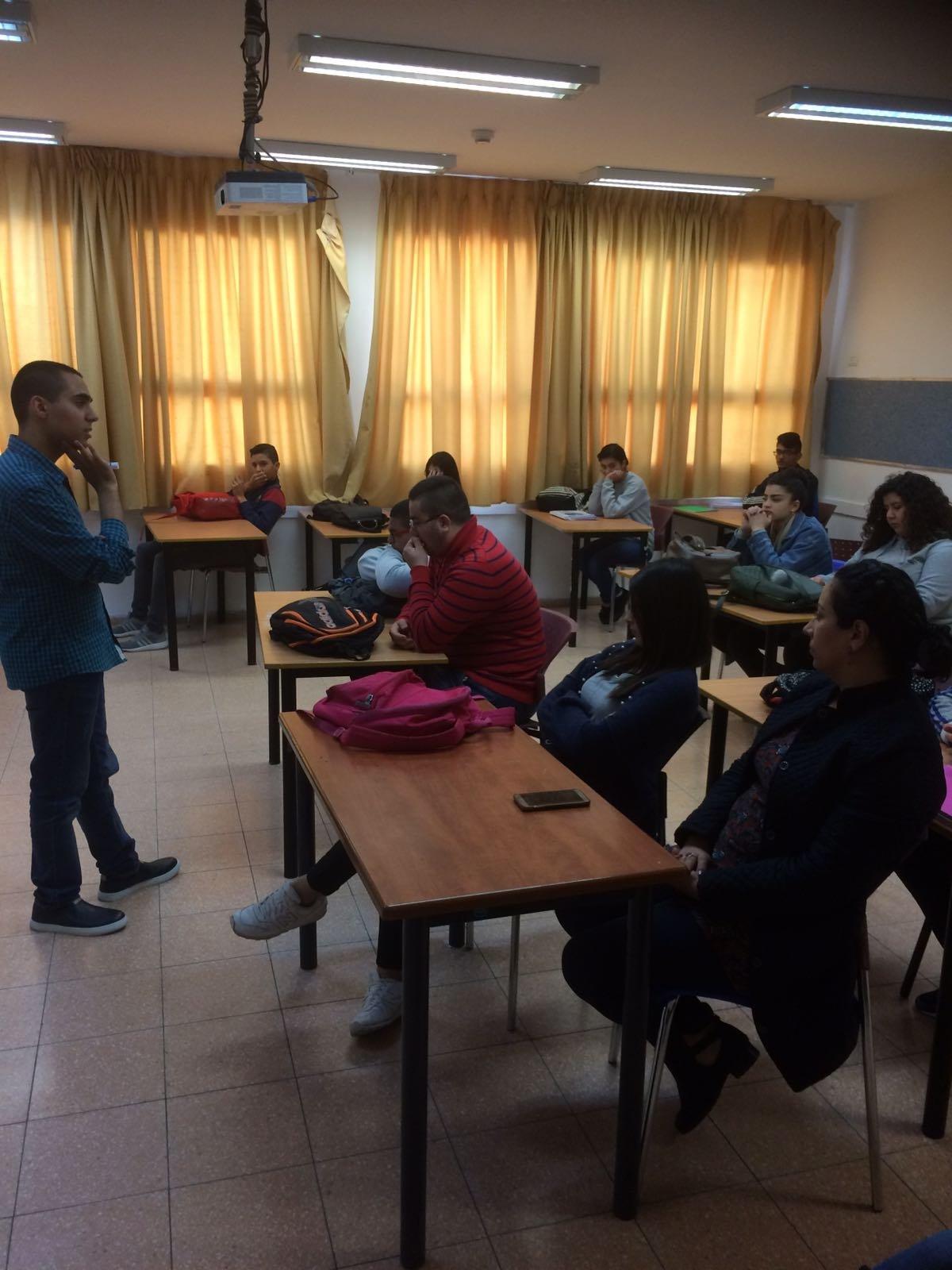 محاضرات بموضوع الديمقراطية المحلية في مدرسة اورط حلمي الشافعي عكا