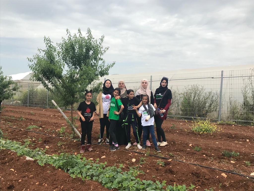 جمعية الحواكير وبدعم من التعاون تنظم جولة إلى الجلمة لدعم المزارعين وتعزيز ارتباط الأجيال الصغيرة بالأرض