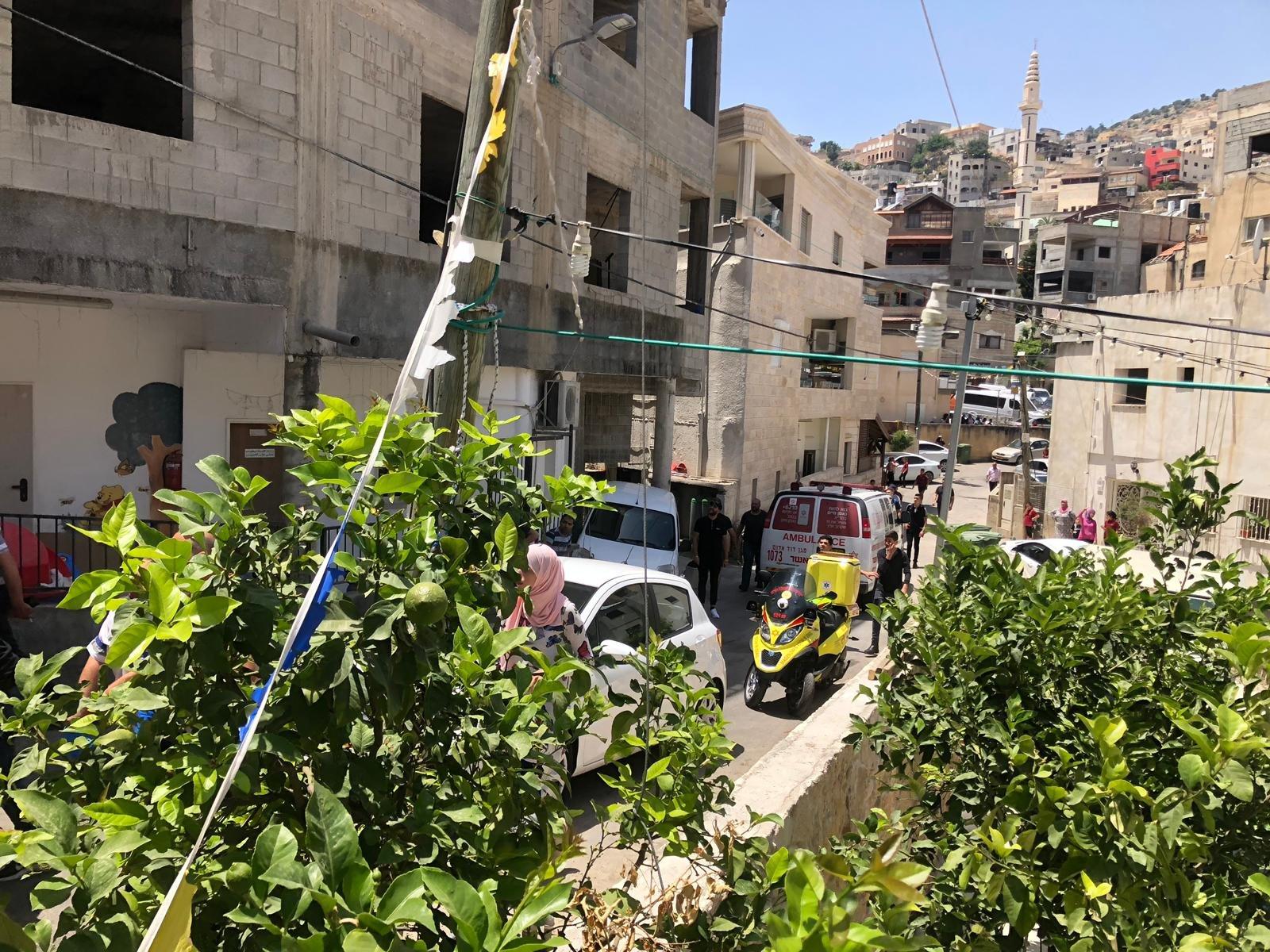 دير الأسد: اصابة بالغة لعامل سقط عليه جسم ثقيل