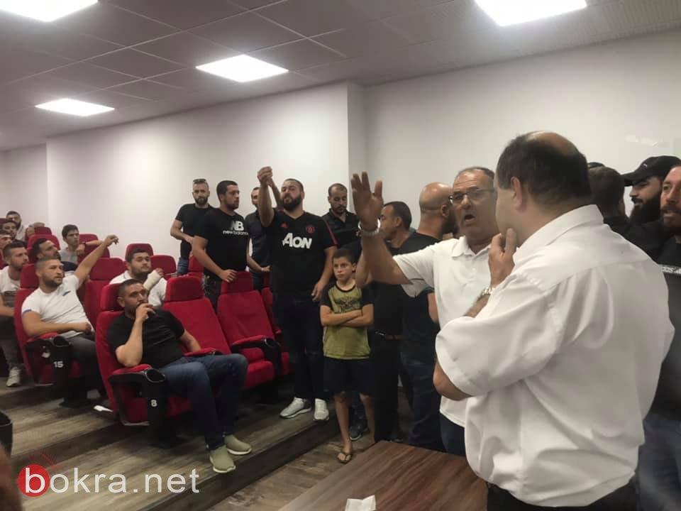 أداء هزيل لابي يونس في المؤتمر الصحافي، بعد ان وعد بحبة اكمول