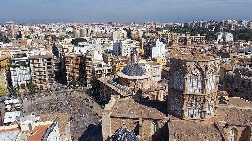 تعرفوا على مدينة فالنسيا وجهة سياحية جذابة في اسبانيا-0
