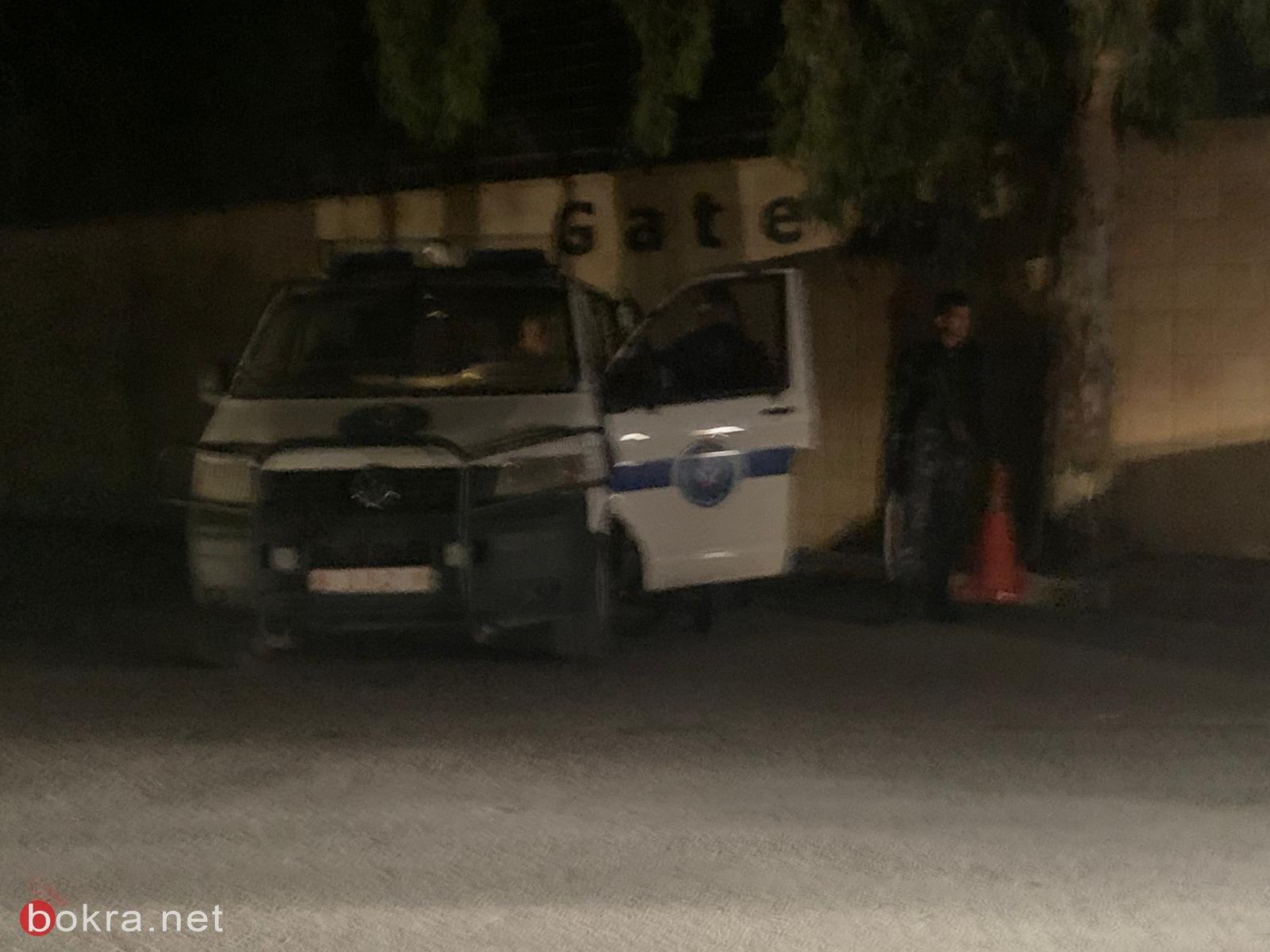 لماذا تتواجد الشرطة الفلسطينية بوحداتها الخاصة في محيط الجامعة العربية الامريكية؟