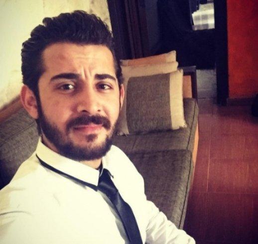 شقيق كندة حنا يشعل مواقع التواصل بظهوره للمرة الأولى!