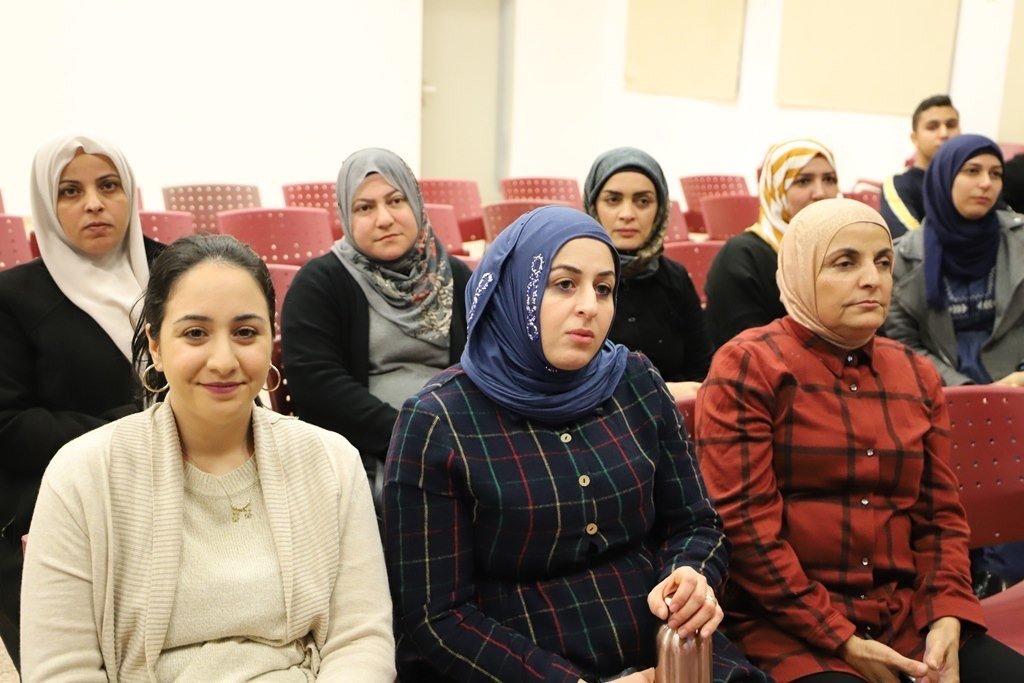 كفرقرع:-حفل توزيع 65 ايباد لمعلمي التربية الخاصة