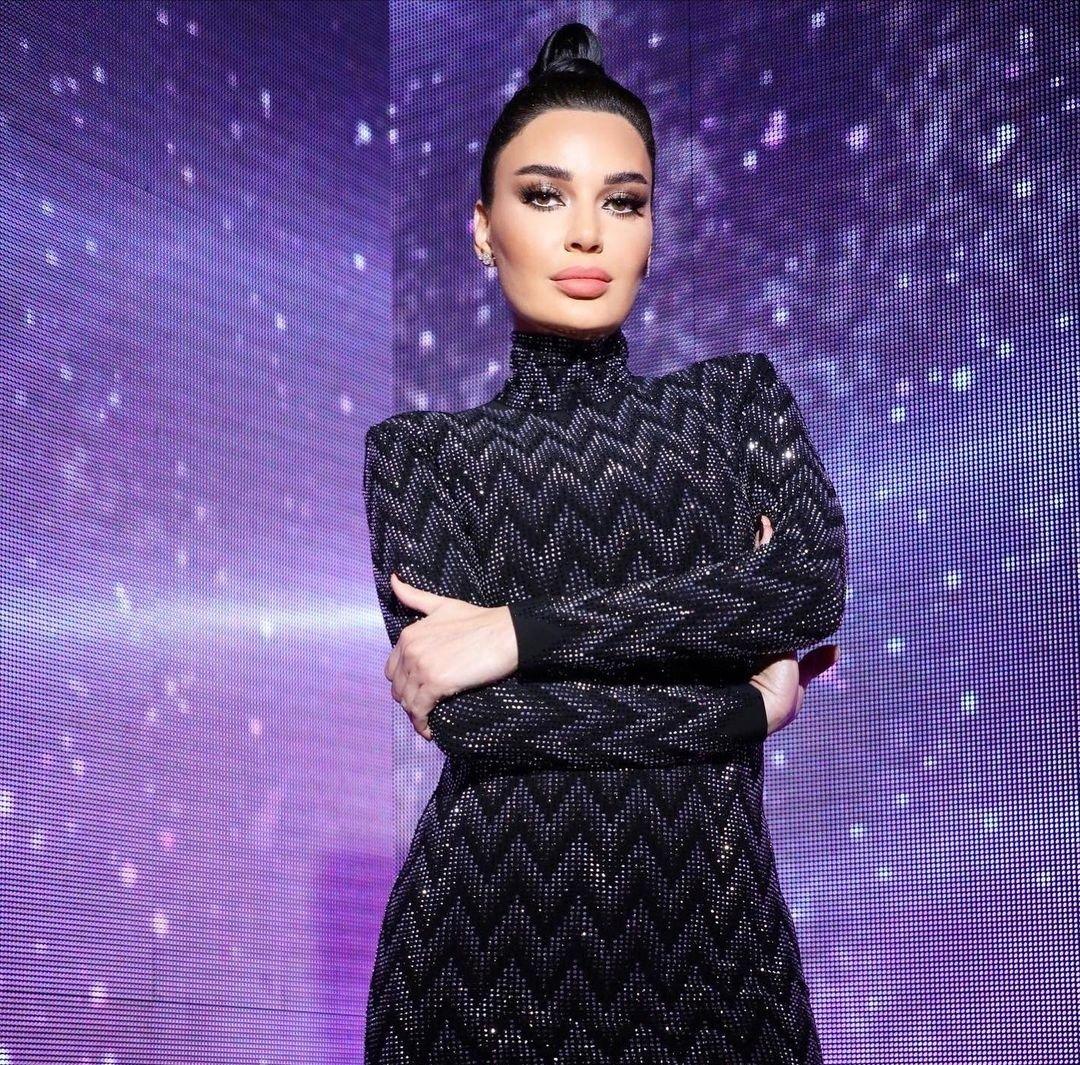 مكياج سهرات رمضان 2021 على طريقة النجمات