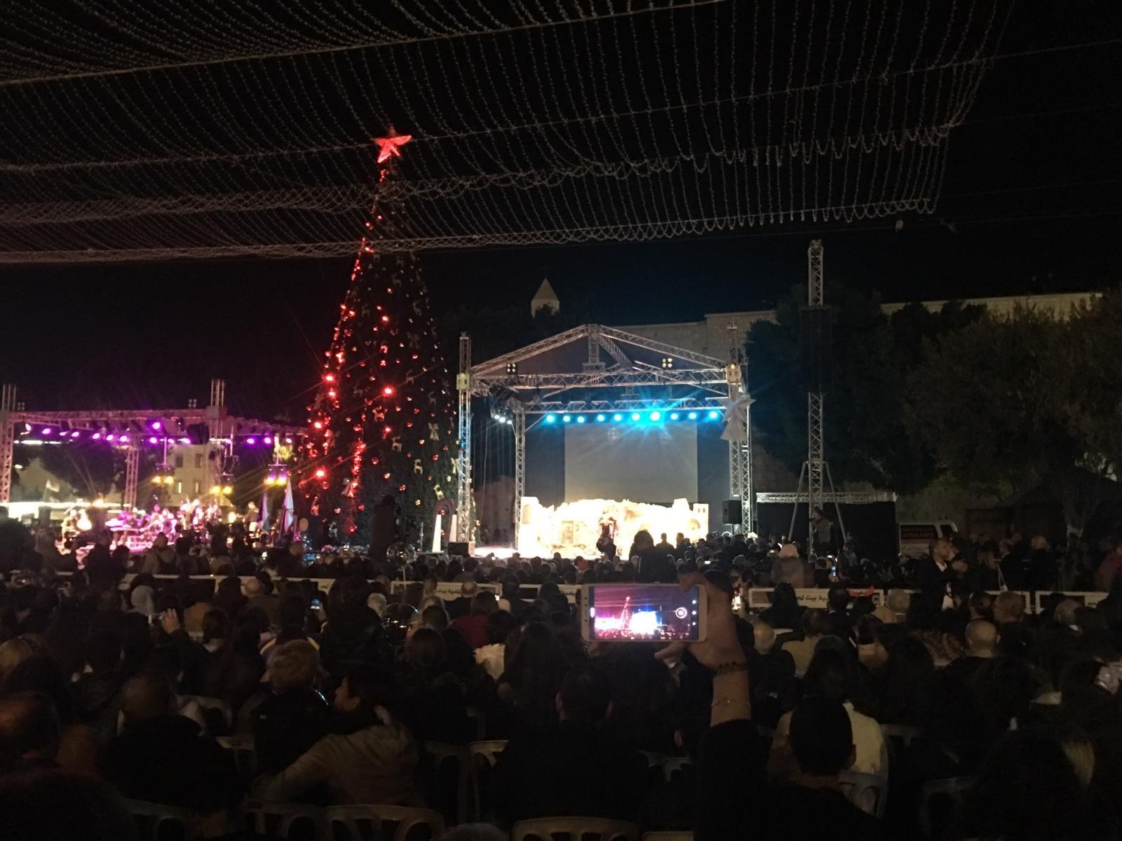 الاحتفال بإضاءة شجرة الميلاد في بيت لحم-1