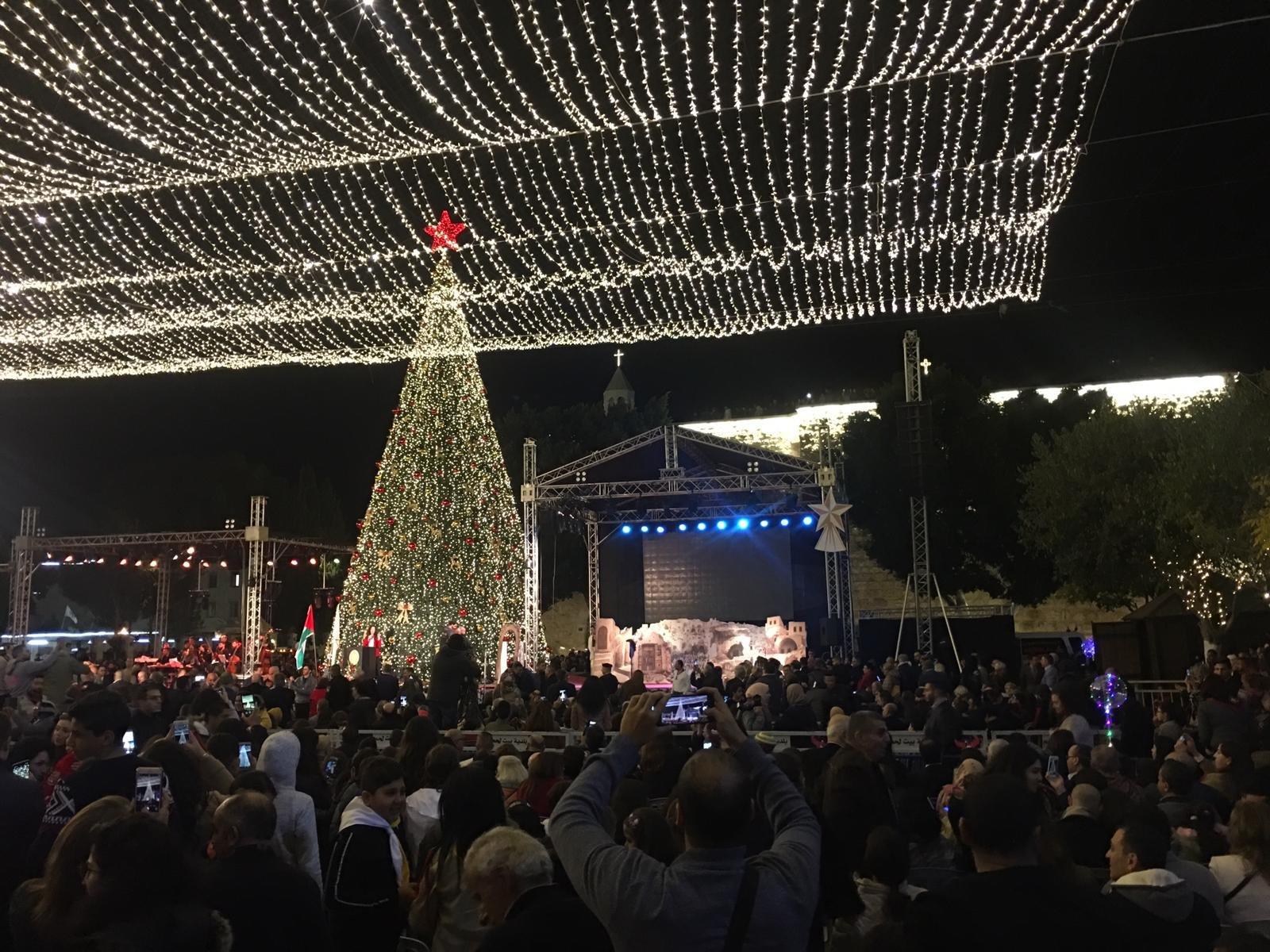 الاحتفال بإضاءة شجرة الميلاد في بيت لحم-2