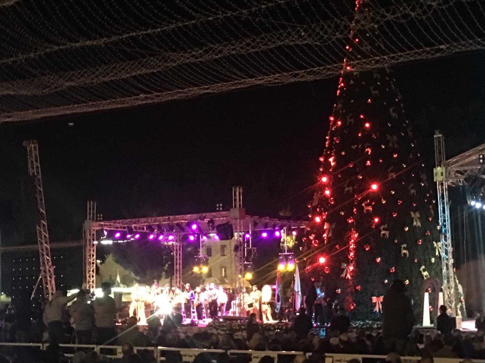 الاحتفال بإضاءة شجرة الميلاد في بيت لحم-4