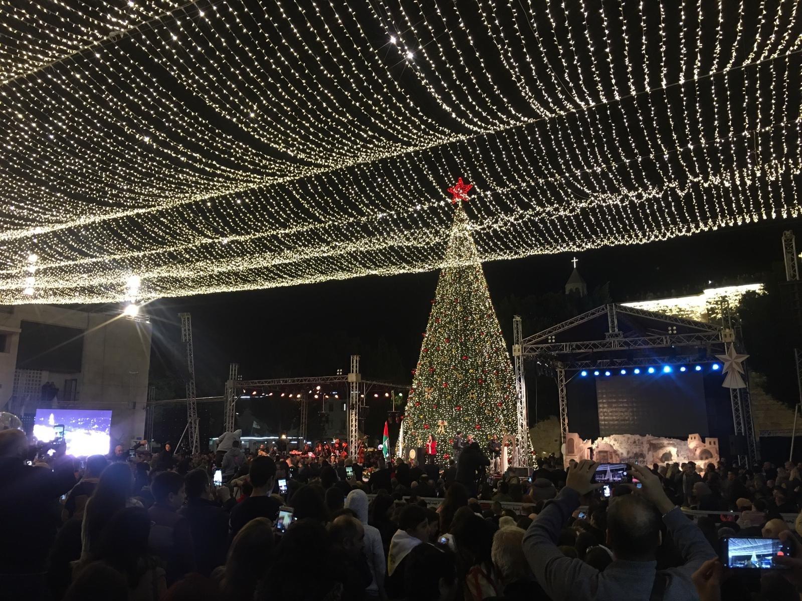 الاحتفال بإضاءة شجرة الميلاد في بيت لحم-5