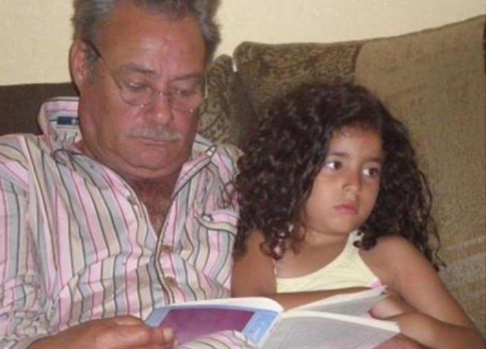 حفيدةُ فاروق الفيشاوي.. من طفلةٍ بأحضان جدّها إلى شابة في المنفى