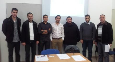 وفد من اللجنة القطرية الطلابية العربية لطلاب طب الأسنان في زيارة لأكاديمية القاسمي