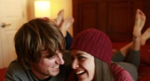في العلاقات الحميمة يجب أن يُرضي الزوجين بعضهما