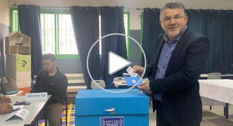النائب د. يوسف جبارين يدلي بصوته ويدعو أهالي أم الفحم والمنطقة لتكثيف التصويت