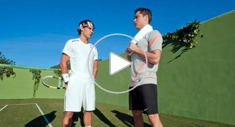 بالفيديو .. رونالدو ينافس نادال فى كرة التنس بقدمه