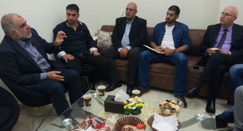 رئيس بلدية ام الفحم يلتقي النائب وائل يونس في جلسة عمل