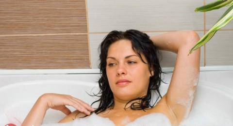 هل ينبغي استخدام مواد مطهرة أثناء الاغتسال بعد الجماع؟
