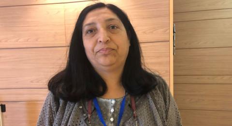 تنافس د.نهى بدر وهي محاضرة في كليّة تل حاي، على العضوية من خلال ترأسها لقائمة الجبهة.