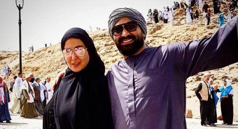 احمد سعد يغازل زوجته سمية الخشاب