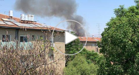 صافرات الإنذار تدوّي في كريات شمونة، وانباء عن سقوط صواريخ واندلاع حرائق